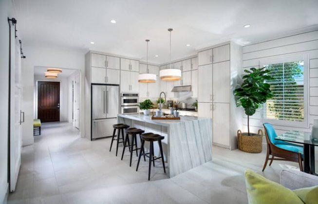 تصویر آشپزخانه ای طوسی سفید به سبک معاصر