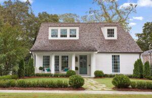 تصویر خانه ای با مسیر عبور جذاب برای ورودی خانه