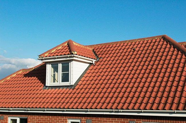 سقف خانه با زیر شیروانی