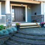 تصویر یک راه پله سنگی برای ورودی خارجی خانه
