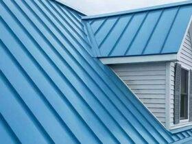 سقف فلزی خانه با رنگ آبی