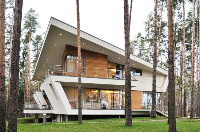 ویلایی مدرن با هندسه طراحی متفاوت و ترکیب مصالح چوب و سیمان و شیشه